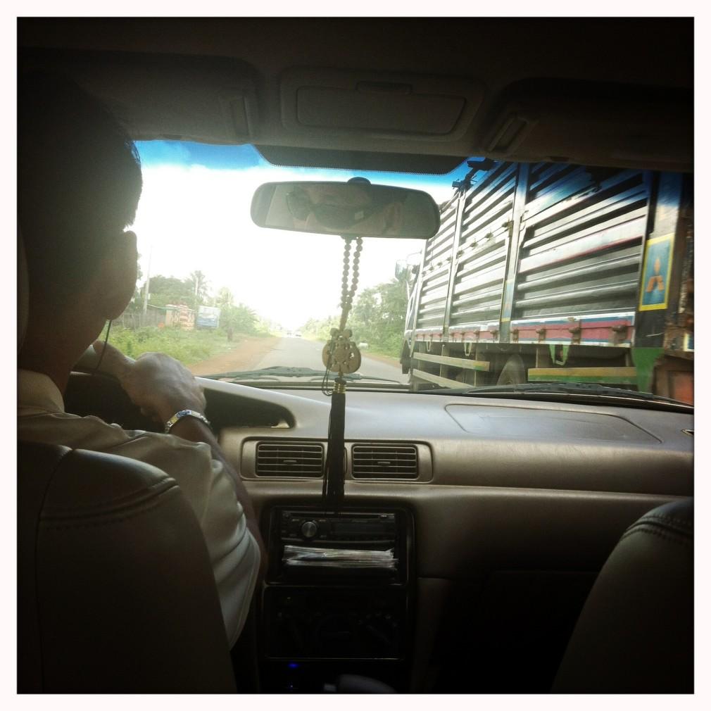 Kambodschanische Autofahrkunst