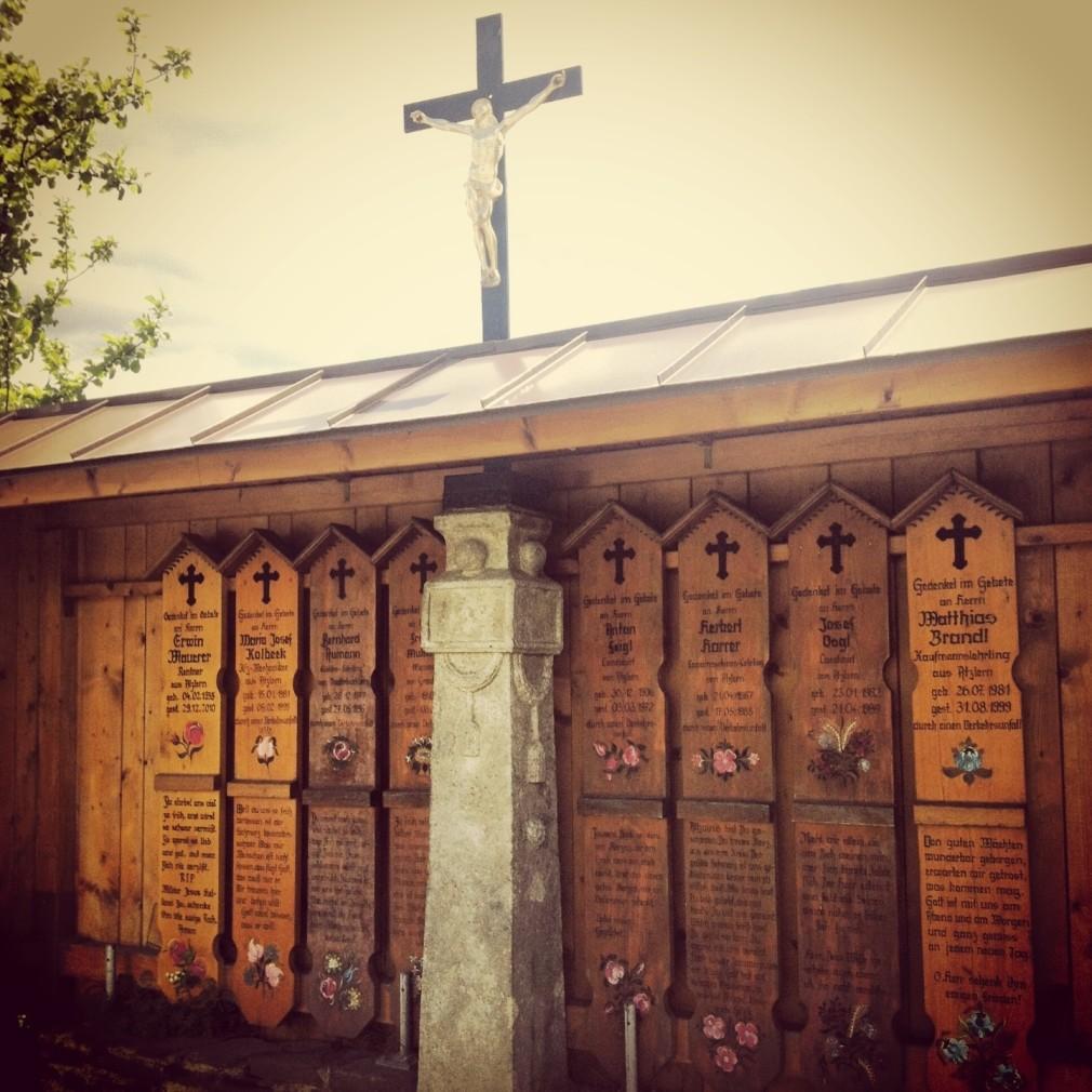 Bayerischer Wald - rund um Neukirchen beim Heiligen Blut - Totenbretter Atzlern