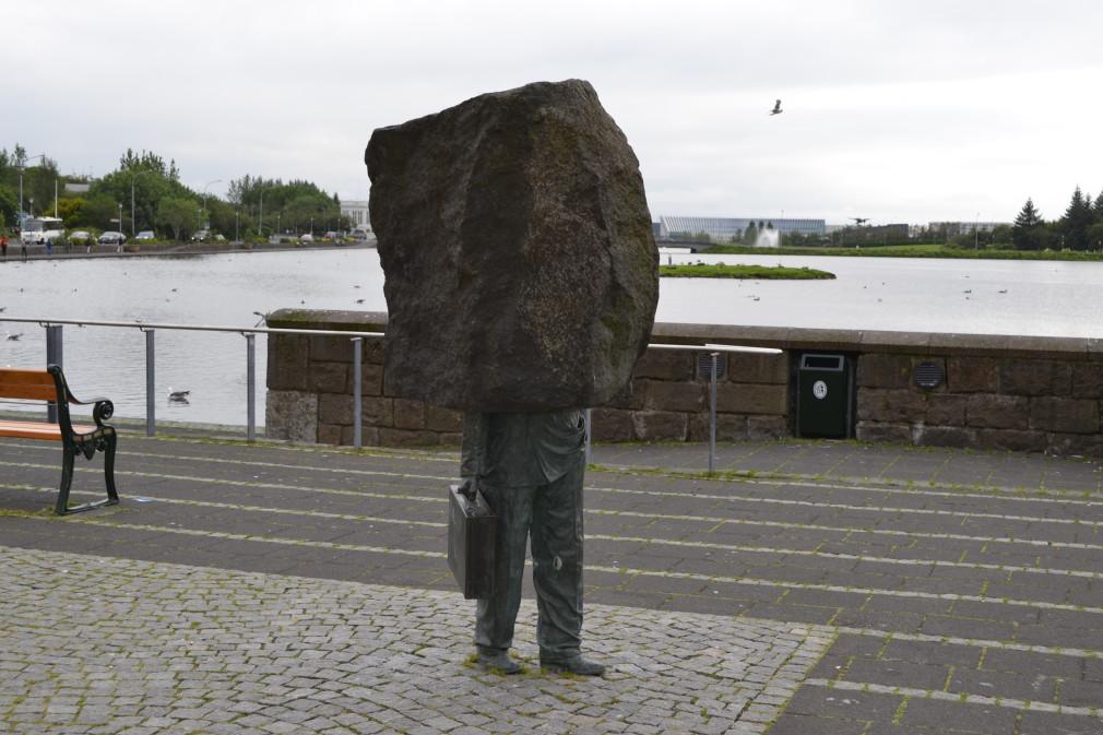 Reykjavik: Mann mit Betonkopf
