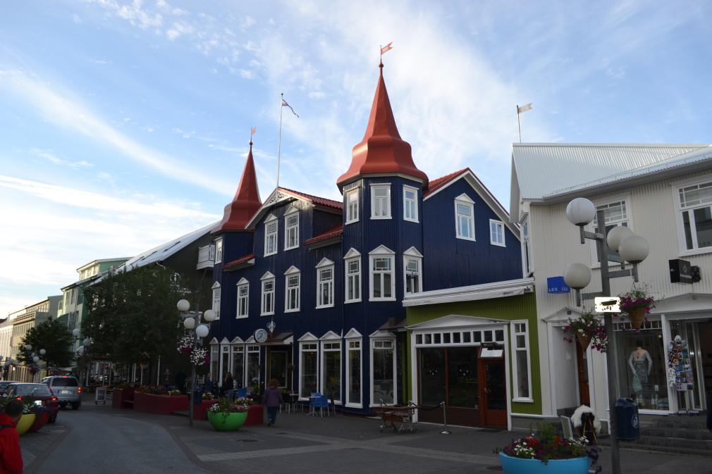 Cafe Paris - Blaa Kannan Cafe im Zentrum von Akureyri