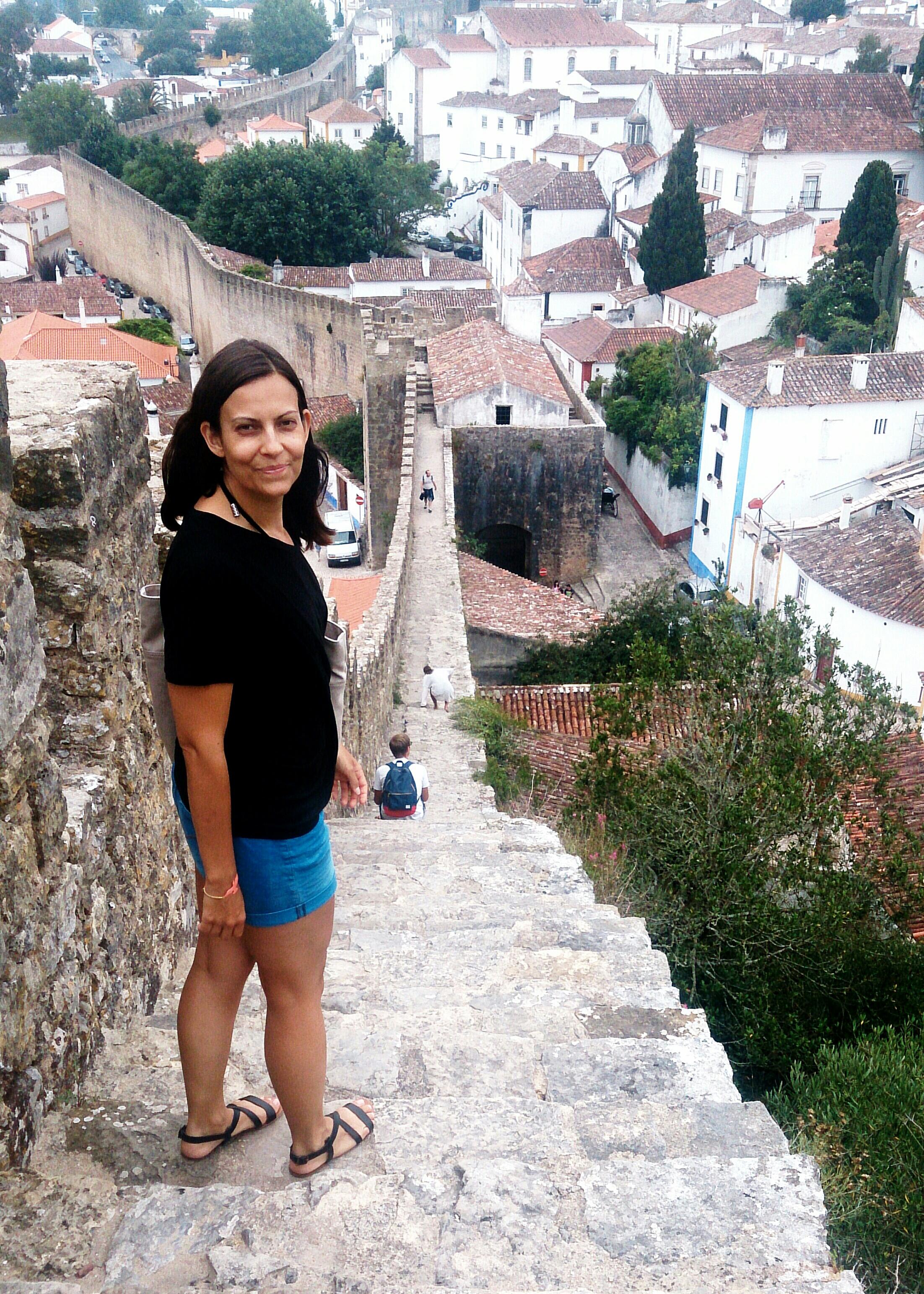 Unterwegs auf der mttelalterlichen Stadtmauer von Óbidos.