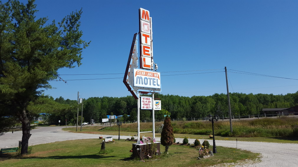Clear Lake Inn Motel