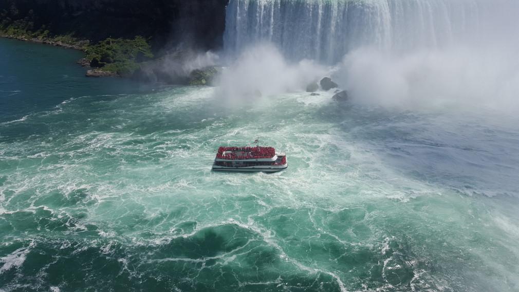 Kanadisches Ausflugsboot