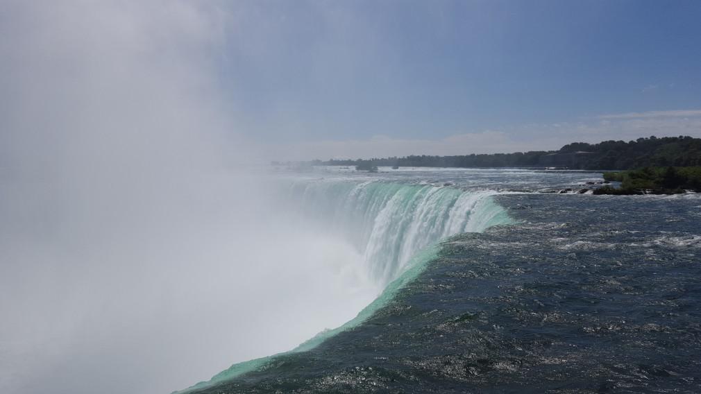 Fallkante der Horseshoe Falls