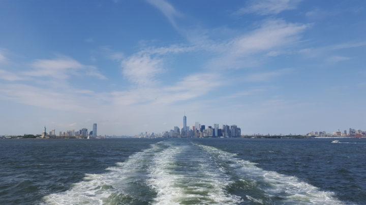 Blick auf Manhattan von der Staten Island Ferry
