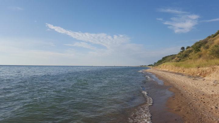 Sandstrand an der Ostküste des Lake Michigan