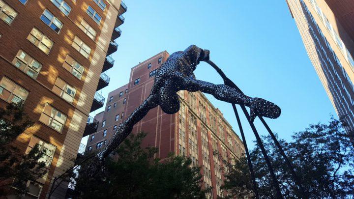 Chicago - Statue im Viertel Gold Coast