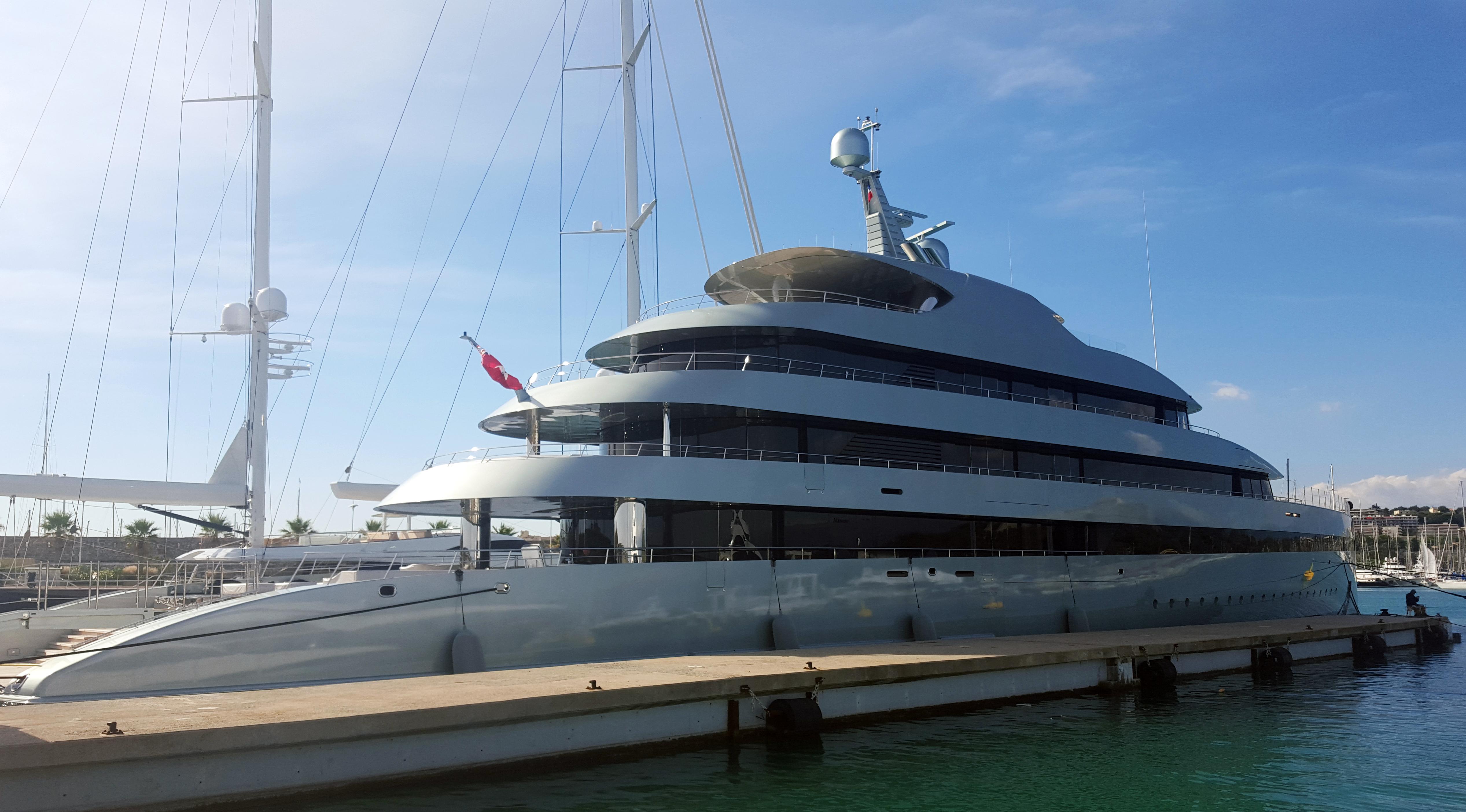 """""""Savannah"""", die erste Hybrid Yacht der Welt"""