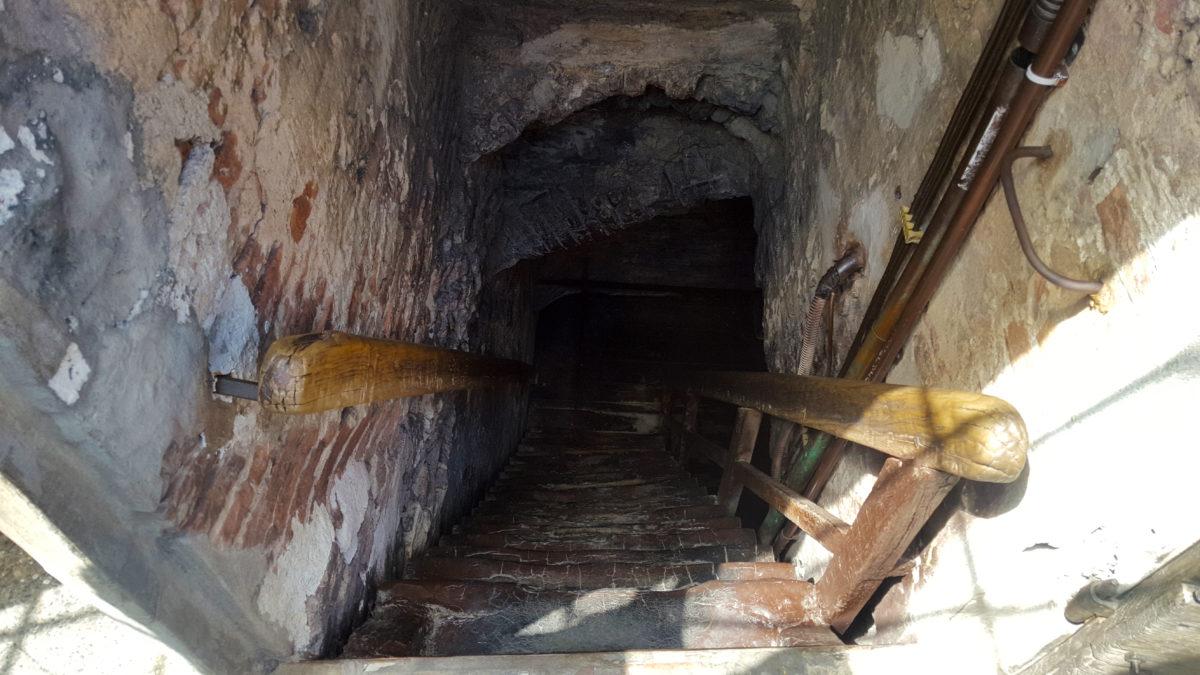 Ganz schön eng: Der Treppenaufgang im Torre Asinelli