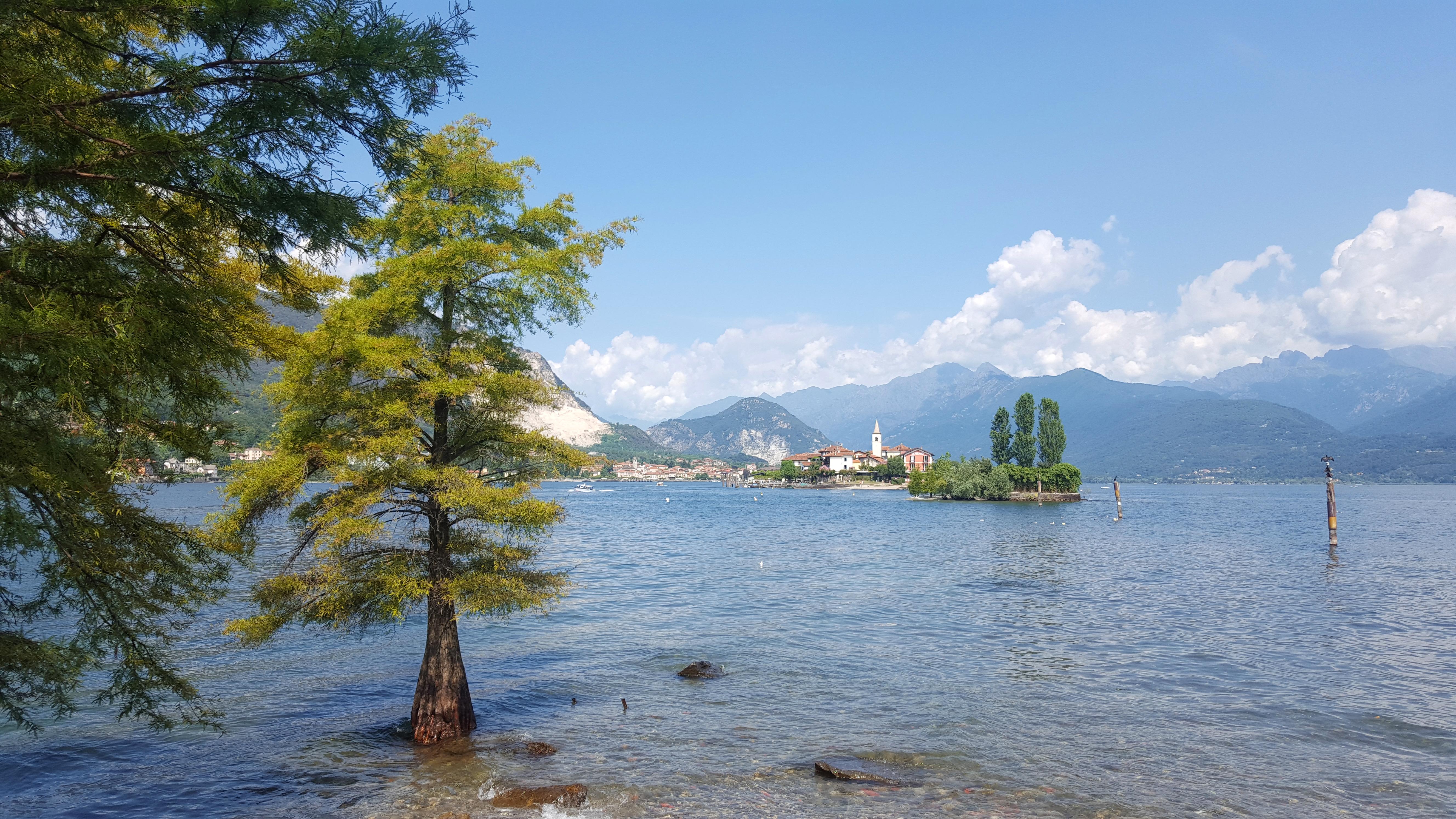 Blick auf die Isola dei Pescatori von der Isola Bella
