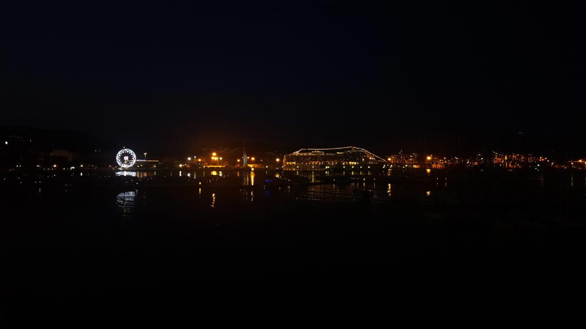 La Spezias Hafen bei Nacht