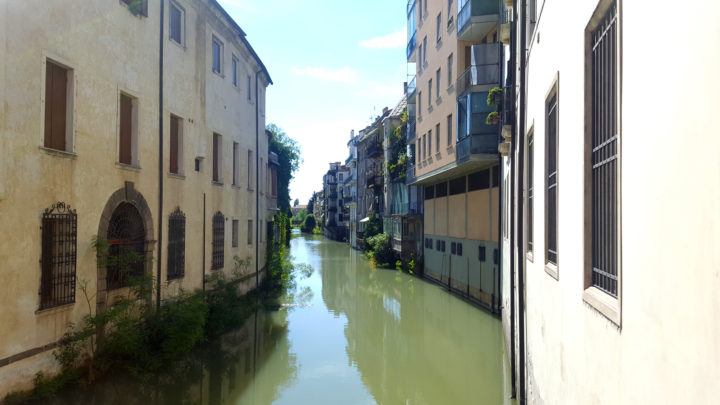 vom Bacchiglione gespeister Kanal Naviglio Interno in Padua