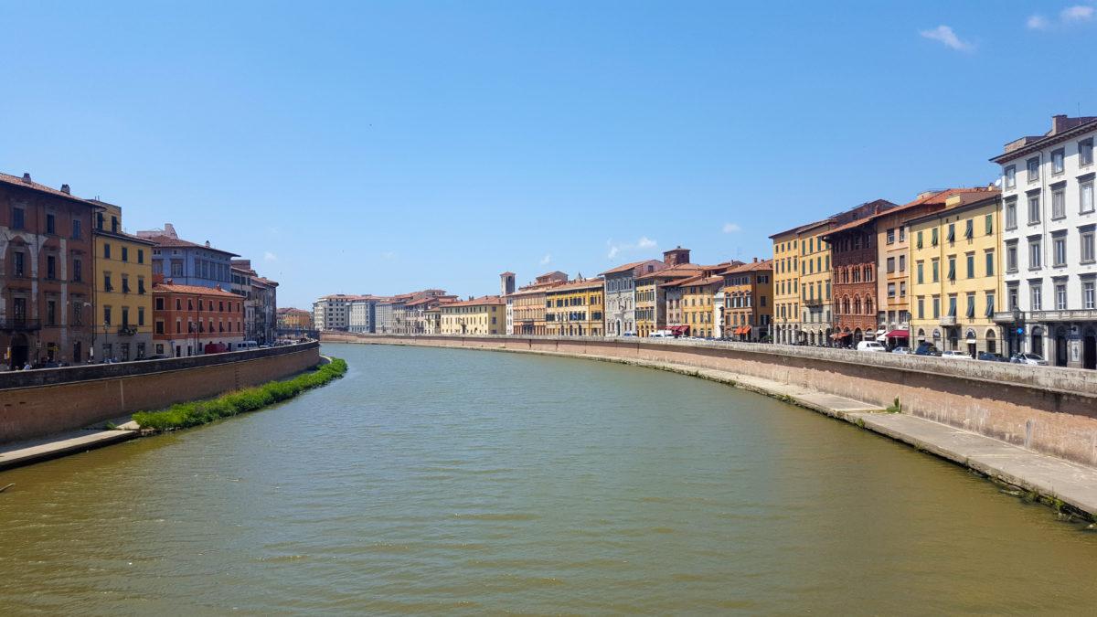 Der Arno in Pisa