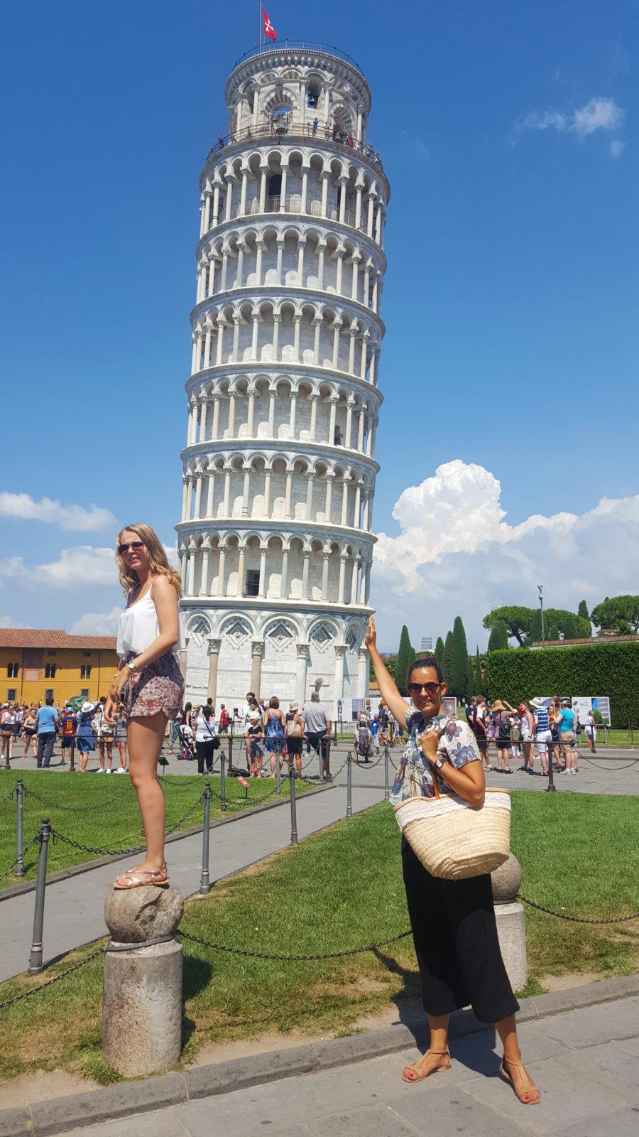 Der Klassiker: Fotoaction vor dem schiefen Turm von Pisa