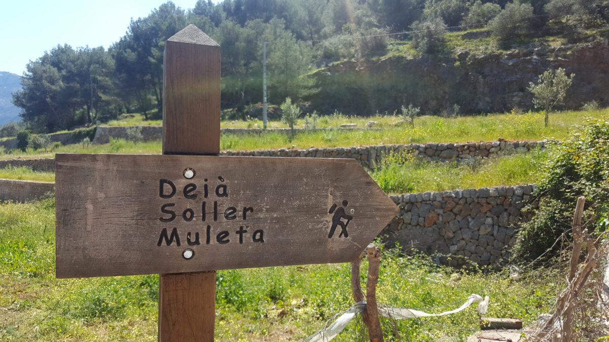 Erstes Wanderschild auf der Wanderung rund um Port de Sóller.