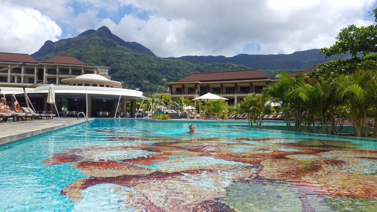 Pool des Savoy Resort & Spa, Seychelles